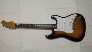 sou.universeのギターのストラトキャスター