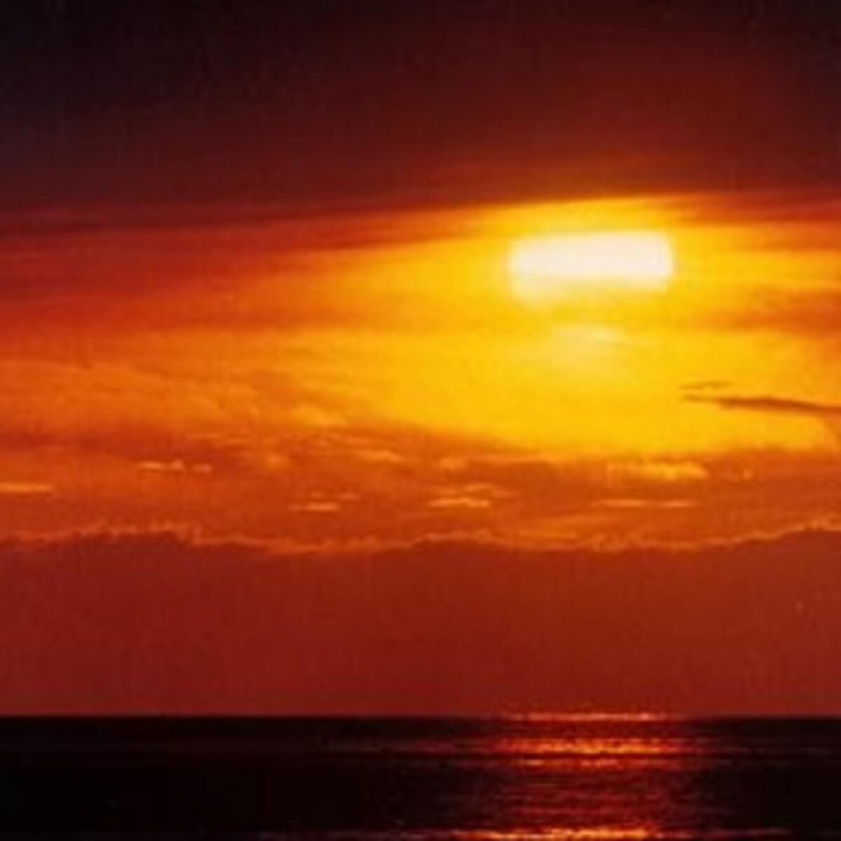 真っ赤な夕日。
