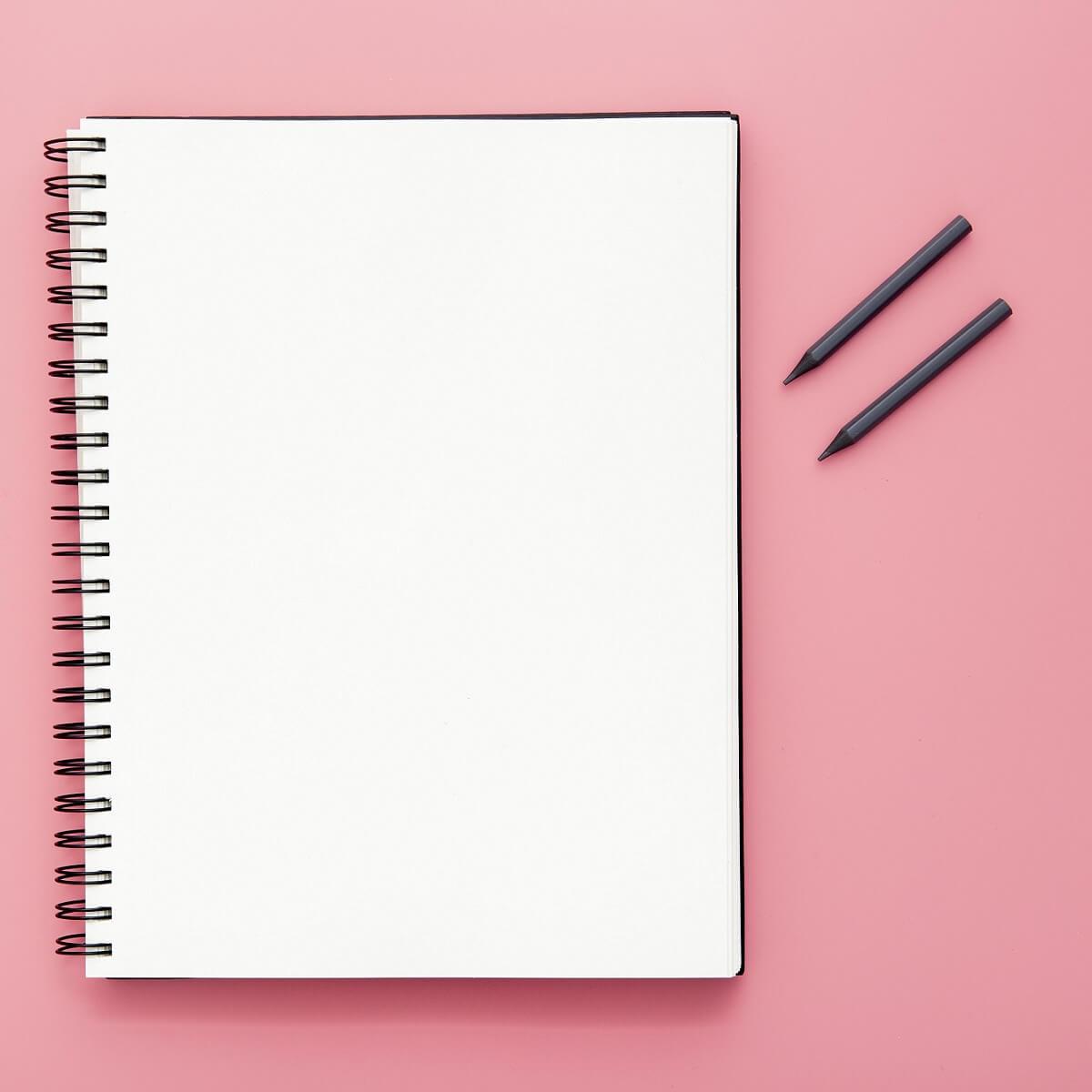 リングタイプの白紙のノート。