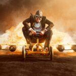 ジェットエンジンにまたがって諦めないで前進する男。
