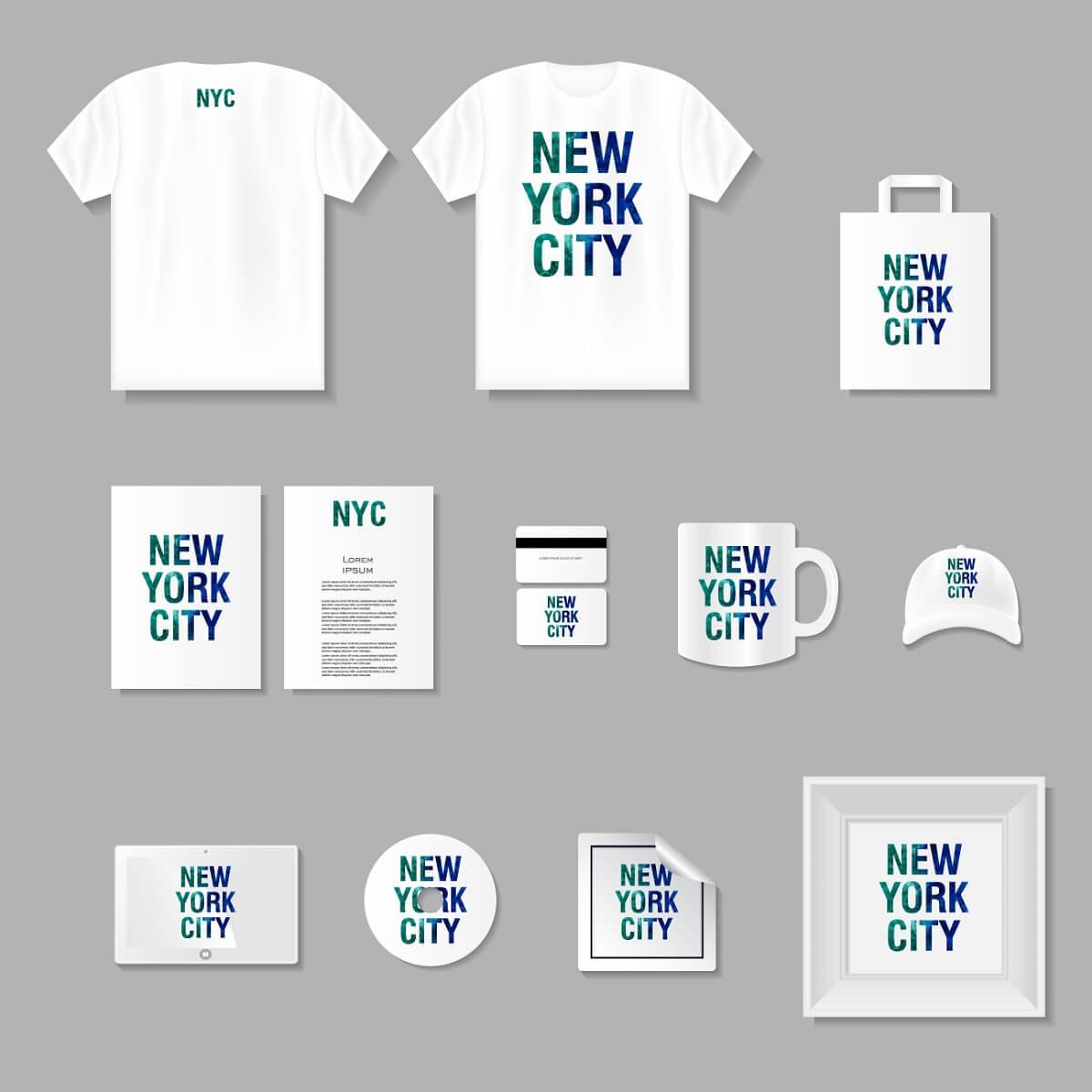 Tシャツやカバン、情報商材、コップ、キャップ、CDなどの自分の商品。