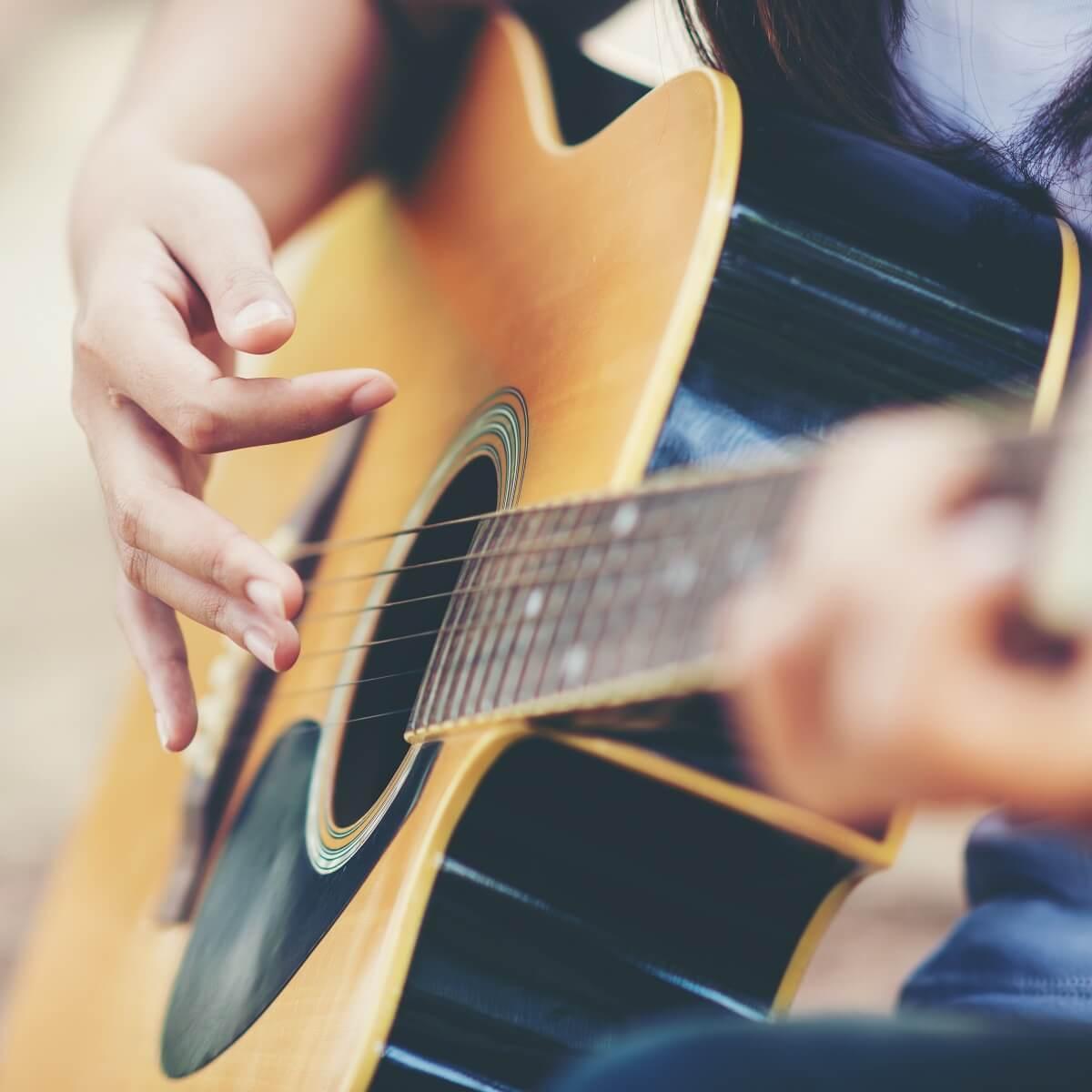 ギターの練習風景。